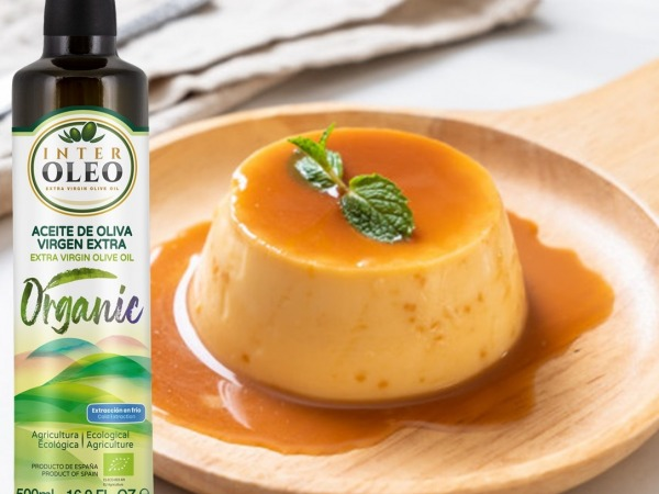 Caramel custard with extra virgin olive oil